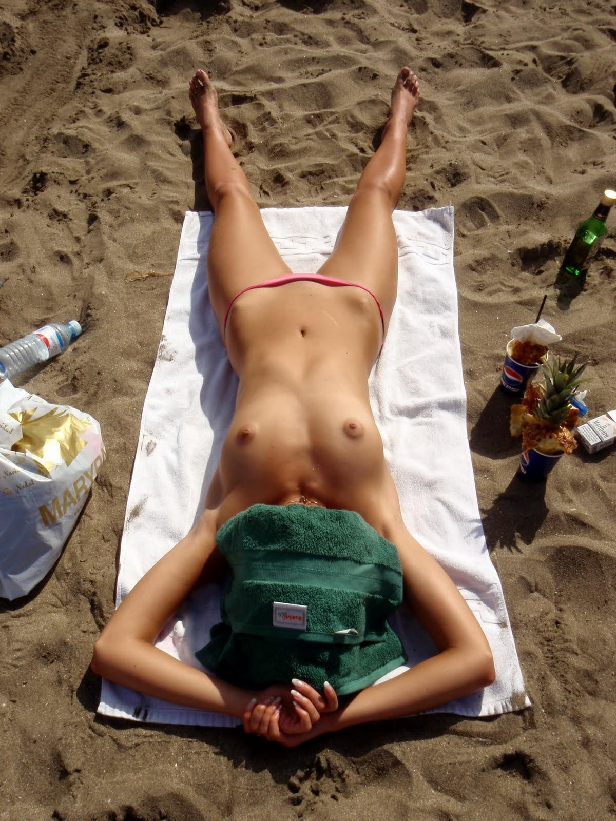 Sexy European Brunette Topless On Vacation At The Beach -8120