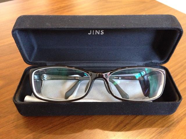 JINSの花粉対策メガネ