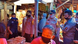 Antisipasi Lonjakan Harga Jelang Lebaran, Kapolres Soppeng Sidak  Pasar Tradisional