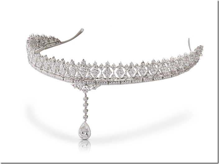 Buccellati Tiara in white   diamonds v2