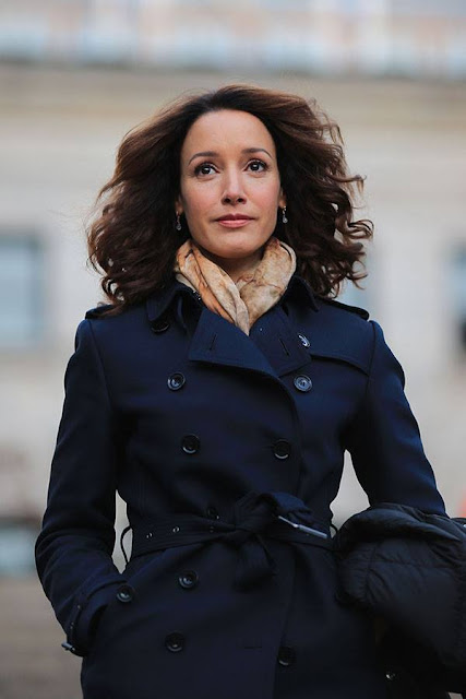 Jennifer Beals Profile pictures,