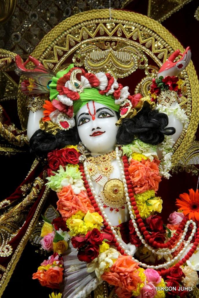 ISKCON Juhu Sringar Deity Darshan on 5th Aug 2016 (43)