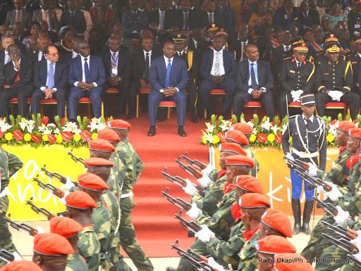 Passage des troupes devant la tribune d'honneur lors du défilé à Matadi, le 30/06/2015 à l'occasion du 55e anniversaire de l'indépendance de la RDC. Radio Okapi/Ph. John Bompengo