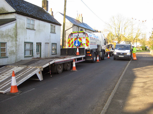 St Johns Close Resurfacing 23-03-2015. Pictures by Chris Cannon - IMG_1056.JPG