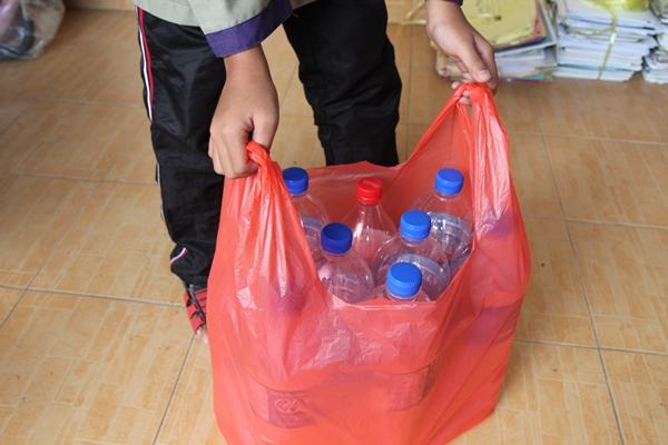 asing botol plastik untuk kitar semula