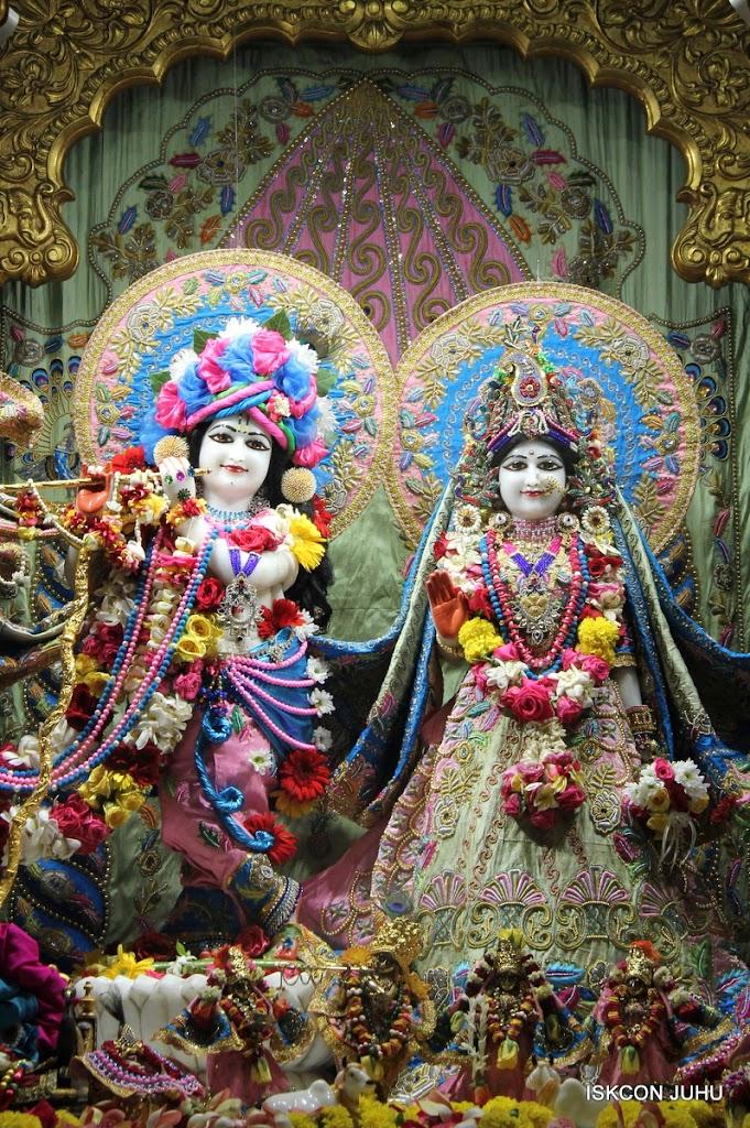 ISKCON Juhu Sringar Deity Darshan 10 Apr 16 (3)