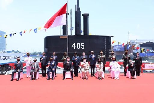 Serah Terima Kapal Selam KRI Alugoro-405