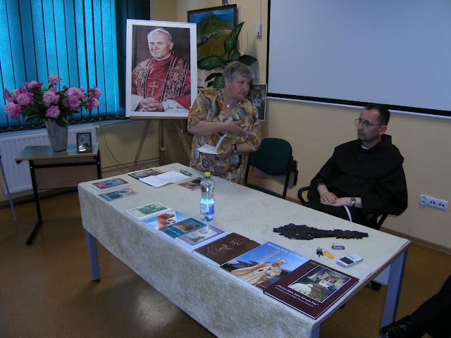 Spotkanie z autorem książek o św. Janie z Dukli i św. Janie Pawle II – Jadwigą Nowak - P6120080.JPG