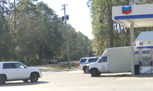 Two thieves remain on-the-run after Alabama robbing armored truck