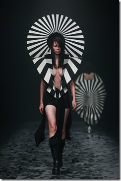 Mercedes-Benz China Fashion Week_GarethPugh12
