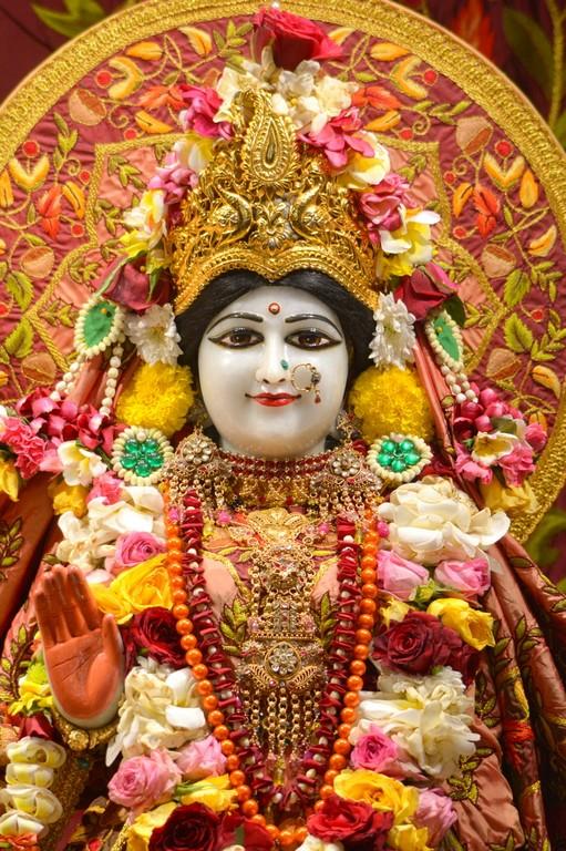 ISKCON Juhu Deity Darshan 28 Mar 2016  (13)