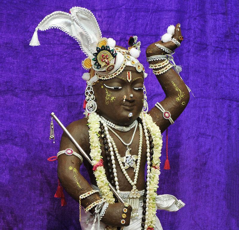 ISKCON Chowpatty Deity Darshan 11 May 2016 (9)