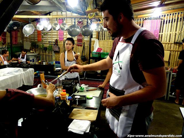 cocinando-comida-tailandesa.JPG