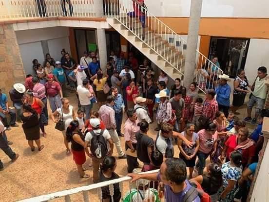 Militantes de Mover a Chiapas atentan contra pobladores en Simojovel