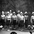 1937 Meisjestoneelstuk_BEW.jpg