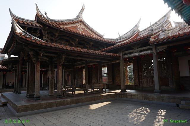 龙山寺的戏台平