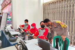 Kapolres Lumajang Tinjau Pelaksanaan Serbuan Vaksinasi di Gerai Vaksin TNI-Polri