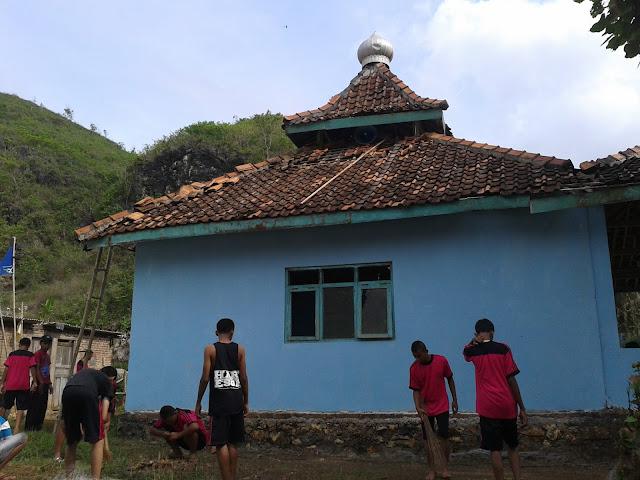 Masjid di Kawasan Pantai Ngrenehan