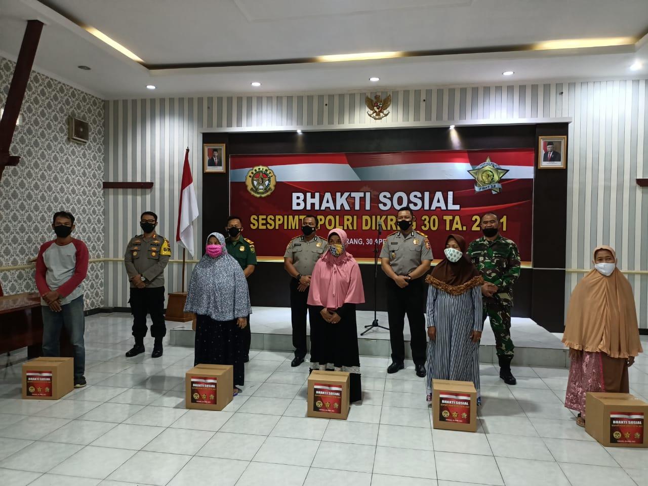 Serdik Sespimti Dikreg 30 Bagikan 1000 Paket Sembako di Kota Serang