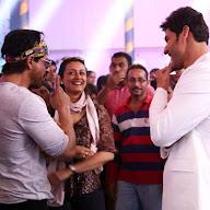 Shah Rukh Khan At Mahesh Brahmosthavam Set