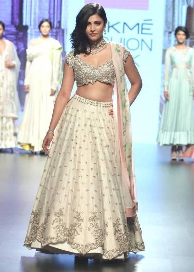 Shruti hassan hot In Lakme Fashion week 2016
