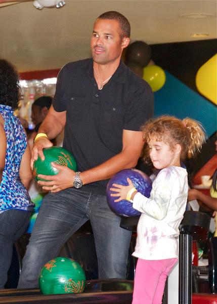 KiKi Shepards 9th Celebrity Bowling Challenge (2012) - IMG_8350.jpg