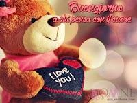 buongiorno buon giorno immagine con frase aforismo a chi pensa con il cuore orsacchiotto peluches cuore.jpg