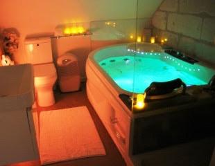 Salle de bains de la chambre d'hôtes romantique Volti