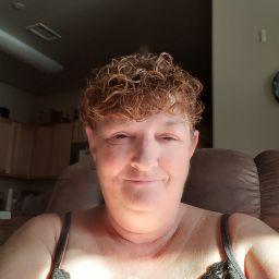 user Carolyn Zins apkdeer profile image