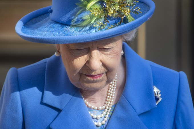 El príncipe Andrés reveló qué dijo la reina Isabel tras la muerte de Felipe