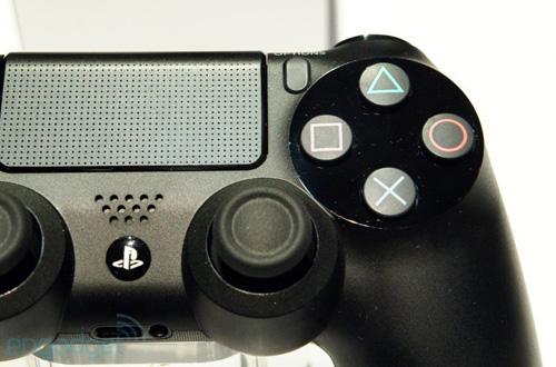 GDC 2013: Sony khóa tay cầm DualShock 4 trong tủ kính  10