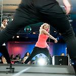Volné kalhoty jsou pro disco tanec podstatné!