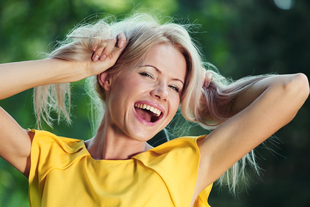Картинки счастливых женщин прикольные и смешные