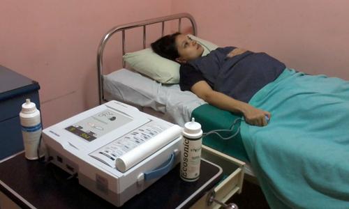 Kamar 111: Pemeriksaan frekwensi kontraksi dan detak jantung janin