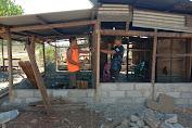 Personel Satgas Pamtas Yonif 742/SWY Kembali Renovasi RTLH Milik Warga Kurang Mampu