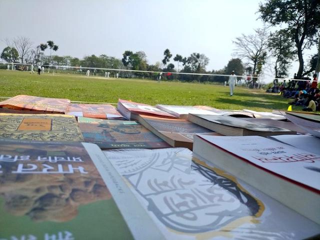 पूर्णिया जिला के परोरा गांव में आयोजित क्रिकेट टूर्नामेंट