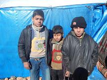 Program distribuce finančních příspěvků pro vnitřní uprchlíky v Sýrii již pomohl 14 000 rodin, tj. více než 75 000 lidí. (Foto: Archiv ČvT)