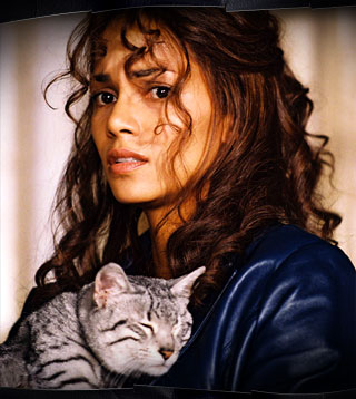 Halle Berry and a cat