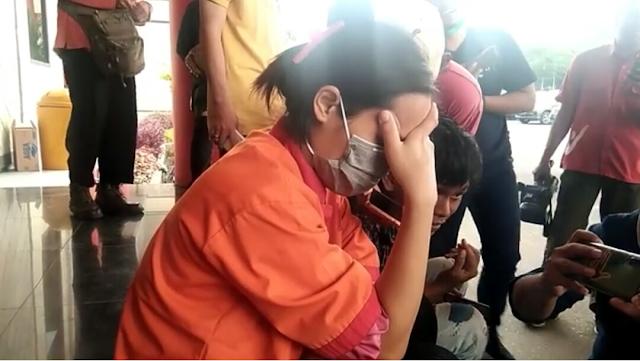 Viral, Seorang Janda Muda Dibakar Hidup.Hidup Kerena Tega Bunuh Anak Kedalam Mesin Cuci