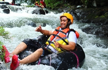 Riverboarding cokro