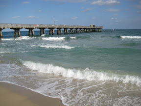 Waves and the pier at Fort Lauderdale beach