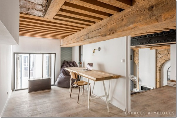arredare-casa-soppalco-grigio-e-legno-9