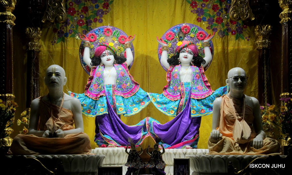 ISKCON Juhu Mangal Deity Darshan on 31st July 2016 (32)