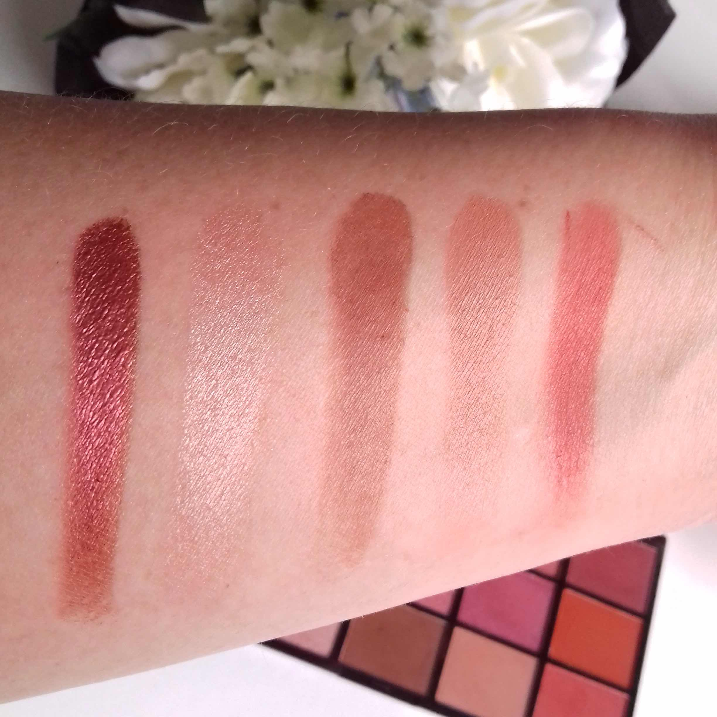 makeup revolution, reloaded newtrals 2 eyeshadow swatches
