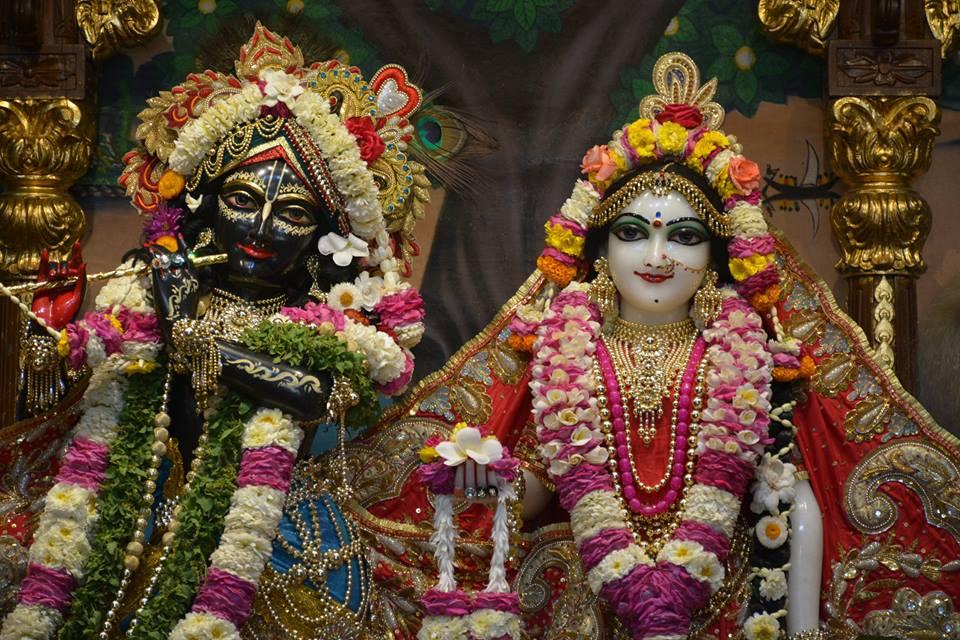 ISKCON Ujjain Deity Darshan 04 April 2016  (24)