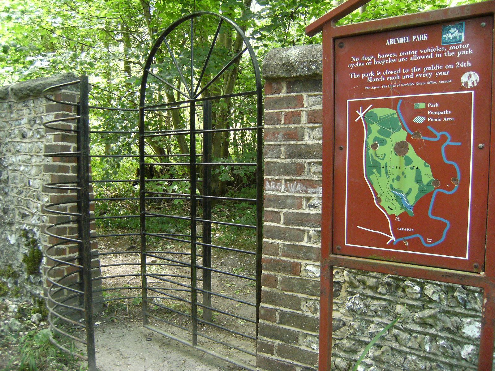 1007190036 Gate into Arundel Park