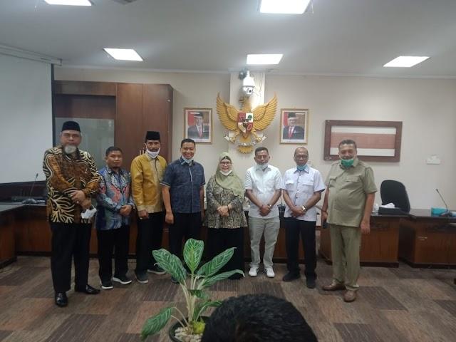 Bahas Covid -19,Komisi 1 DPRD Riau Kunjungi DPRD Sumbar