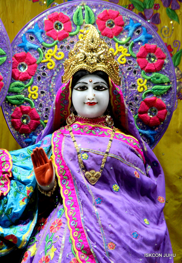 ISKCON Juhu Mangal Deity Darshan on 19th Jan 2017 (22)