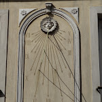 10 rue Casanova : cadran solaire