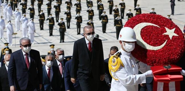 Dalam Peringatan Hari Kemerdekaan Turki, Erdogan Kembali Kritik Dan Tantang Yunani Soal Mediterania